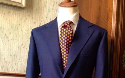 abito da uomo blu